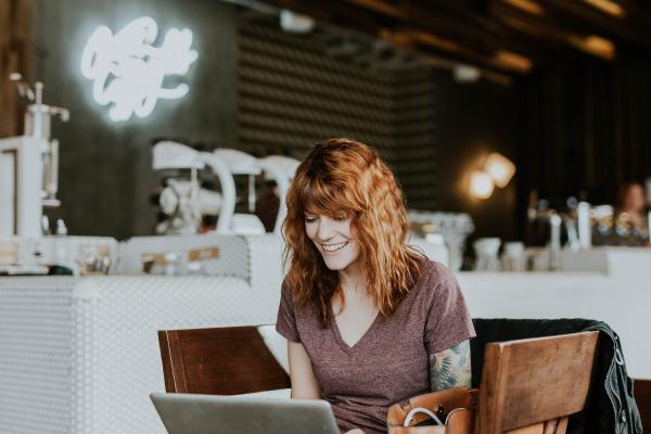 indépendante en coaching web en solo